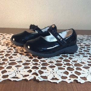 Circo Toddler Girl Black Patent Shoes Size 5